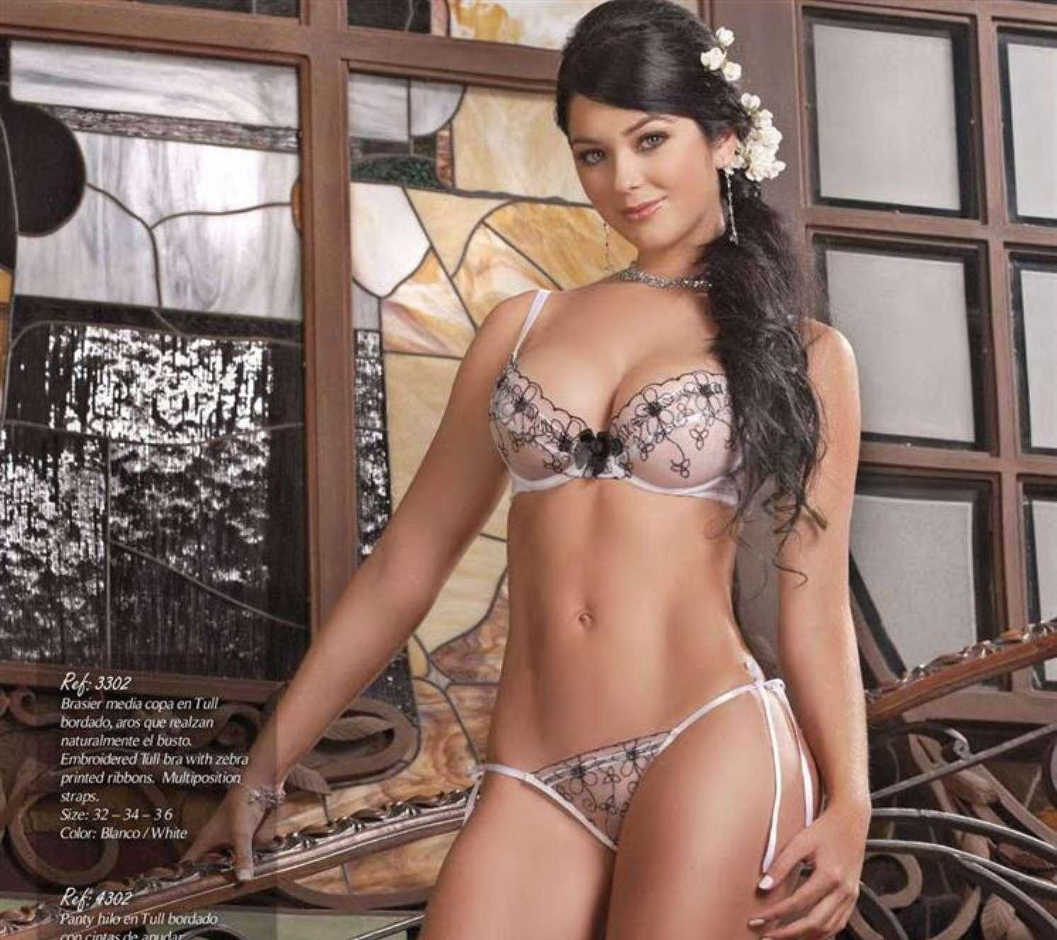 Gemelas Davalos – Sexy Fotos Catálogo Bésame Foto 84