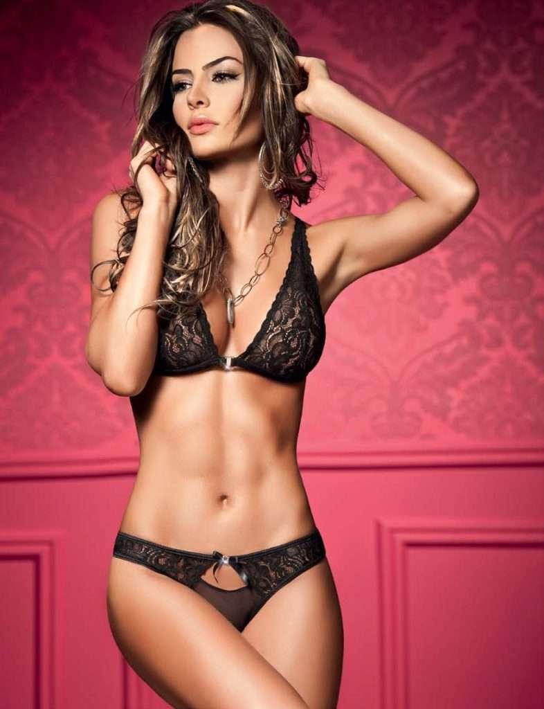 Natalia Velez – Sexy Fotos Besame 2011 Foto 7