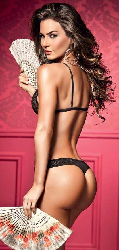 Natalia Velez – Sexy Fotos Besame 2011 Foto 9
