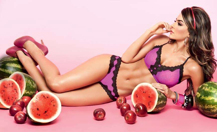 Natalia Velez – Sexy Fotos Besame 2011 Foto 29