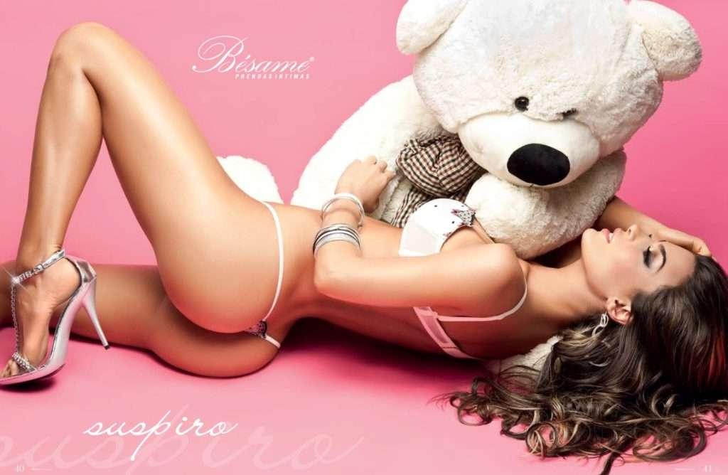 Natalia Velez – Sexy Fotos Besame 2011 Foto 30