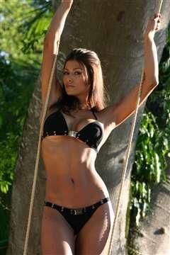 Renata Gonzalez Fotos En Bikini Negro Foto 19