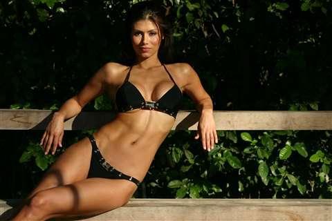Renata Gonzalez Fotos En Bikini Negro Foto 7