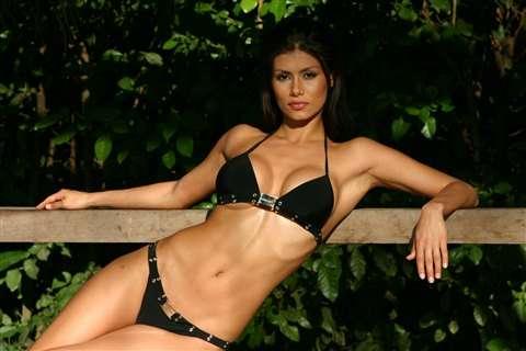 Renata Gonzalez Fotos En Bikini Negro Foto 5