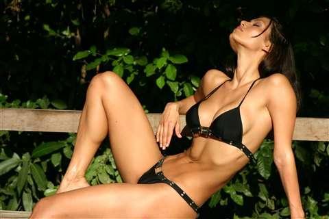 Renata Gonzalez Fotos En Bikini Negro Foto 4