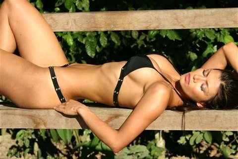 Renata Gonzalez Fotos En Bikini Negro Foto 3